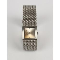 Luxusné hodinky odtieň béžovej