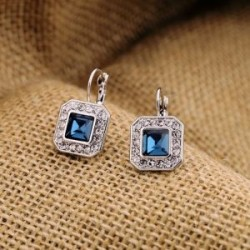Náušnice štvorčeky s modrým kryštálom